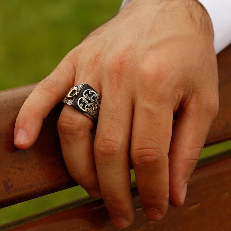 Siyah Taşlı Ayyıldız Desenli Erzurum El İşi Gümüş Erkek Yüzüğü